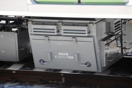4号車・サハE235-1 線路設備モニタリング装置