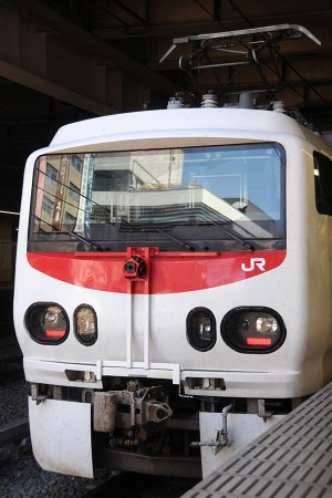 13:23 試9912M E491系 East i-E @ 新宿