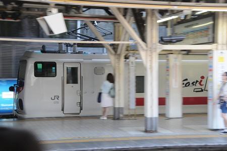 13:52 試9913M E491系 East i-E @ 御茶ノ水