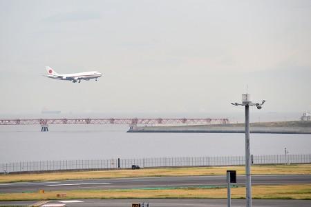16:47 RWY23に進入するJF001便 B747-47C 20-1102 @ 羽田空港