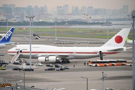 17:05 安倍総理を乗せた車列が出発 @ 羽田空港