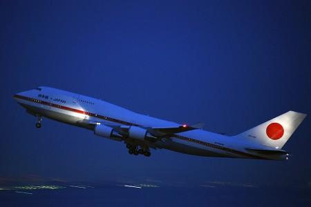 19:19 CYGNS02便 B747-47C 20-1102 政府専用機 @ 羽田空港