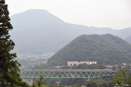 15:26 1620M E233系トタT39編成 @ 猿橋〜鳥沢