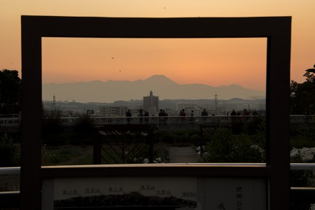 16:36 富士見橋の額縁から
