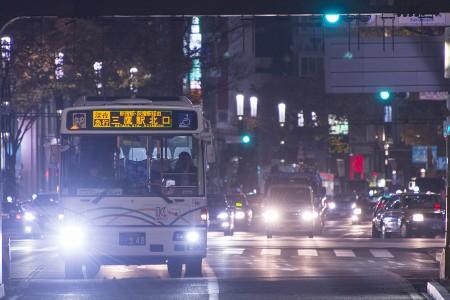 00:33 深夜急行三鷹駅北口行き B5003号車 KL-UA452PAN @ 銀座~四谷三丁目