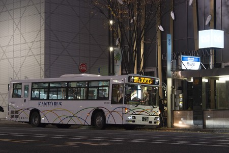 00:44 深夜急行三鷹駅北口行き B5003号車 KL-UA452PAN @ 銀座